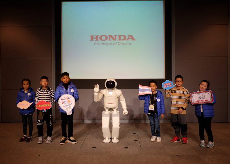 """ฮอนด้า ส่ง 6 นวัตกร ในโครงการ """"ฮอนด้า ซูเปอร์ ไอเดีย คอนเทสต์ 2017"""" บินลัดฟ้าโชว์ไอเดียสร้างสรรค์ ร่วมกับเยาวชนญี่ปุ่นและเวียดนาม ณ ประเทศญี่ปุ่น"""