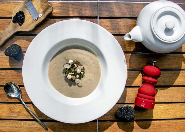 เดอะ เซนต์ รีจิส กรุงเทพฯ แนะนำเมนูอาหารอิตาเลี่ยนใหม่ ในรูปแบบ อา ลา คาร์ท ณ ห้องอาหารโจโจ ห้องอาหารอิตาเลี่ยนซึ่งคงรสชาติดั้งเดิม และความเรียบง่ายสไตล์อิตาเลียนไว้อย่างสมบูรณ์แบบ