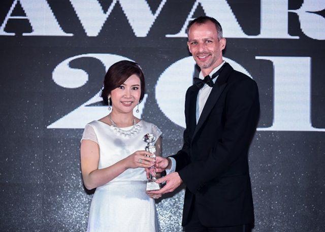 พรพิมล-ปักเข็ม-Women-of-Intelligence-Award-ME-Awards-2017-640x457-640x457