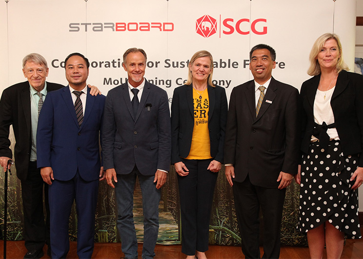 2 SCG and Starboard for MOU on Collaboration for Future_Memag_Online