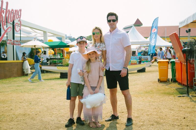 ไบรอัน เดลานีย์ และครอบครัว Brian Delaney and family_resize
