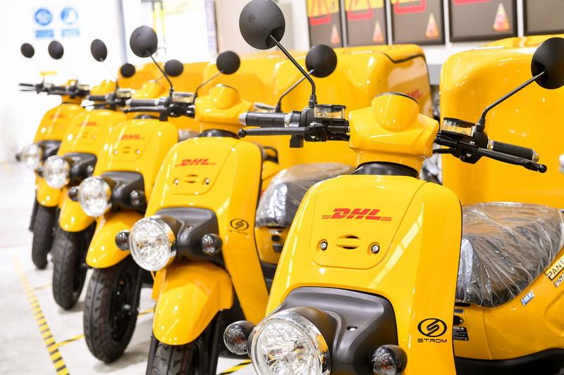 DHL EXPRESS Electric Motorbikes_resize