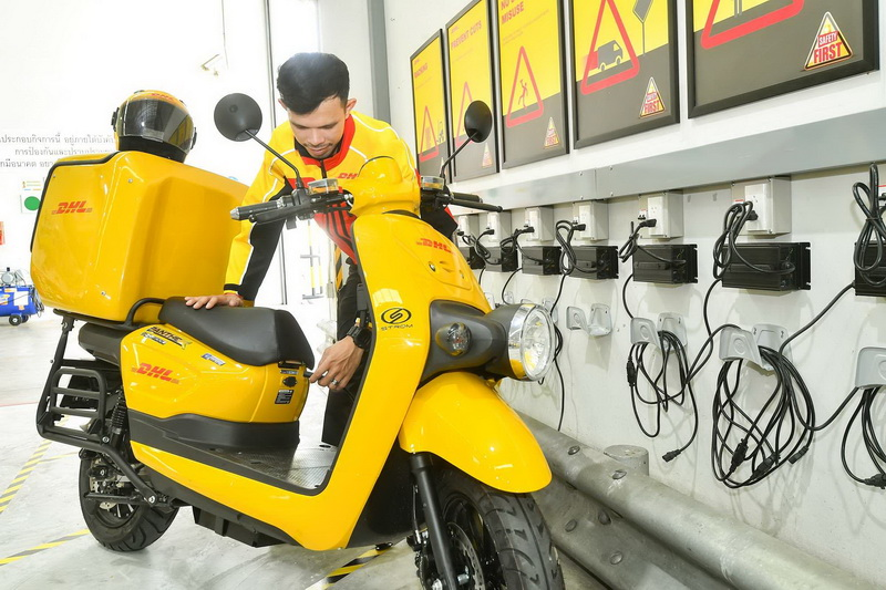 DHL Express courier at a charging station at DHL Express Service Center Rama 3_resize